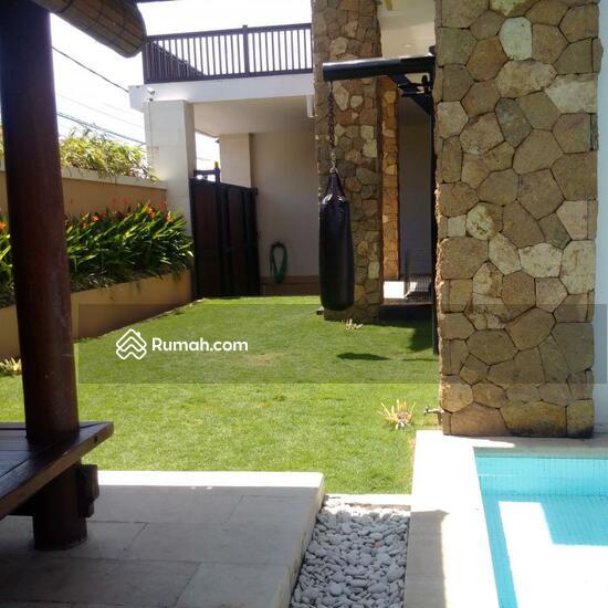 Rumah Mewah Semi Villa Di Renon  68750252