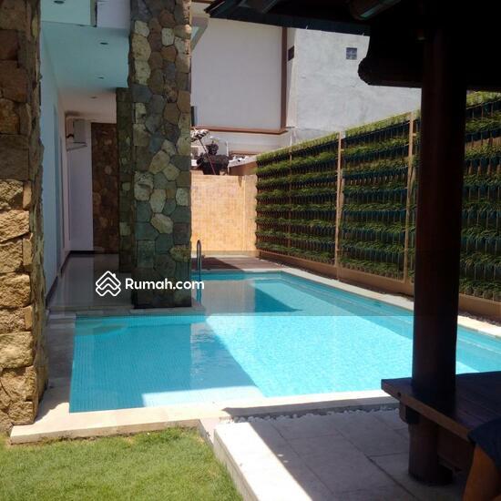 Rumah Mewah Semi Villa Di Renon  68750255