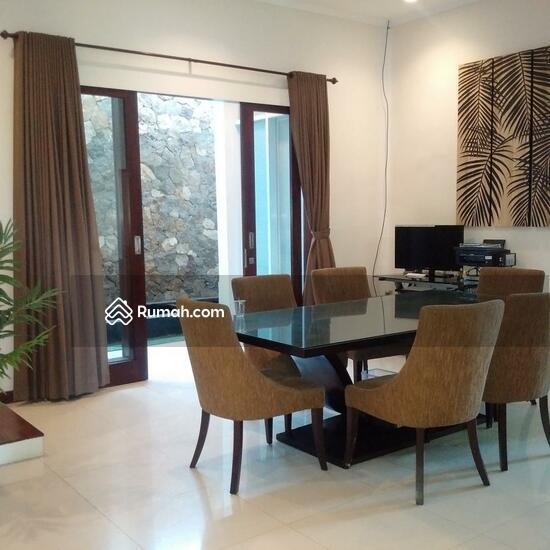 Rumah Mewah Semi Villa Di Renon  68750261
