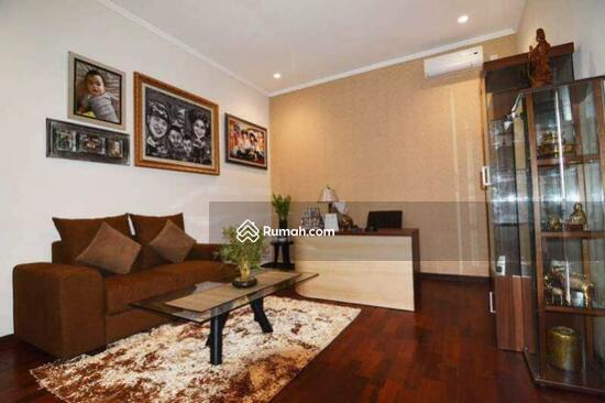 Rumah Mewah Semi Villa Di Renon  68750264