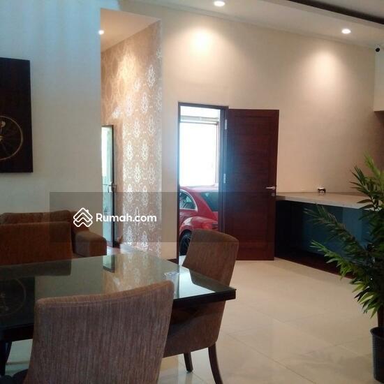 Rumah Mewah Semi Villa Di Renon  68750279