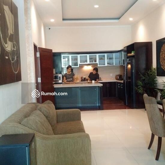 Rumah Mewah Semi Villa Di Renon  68750288