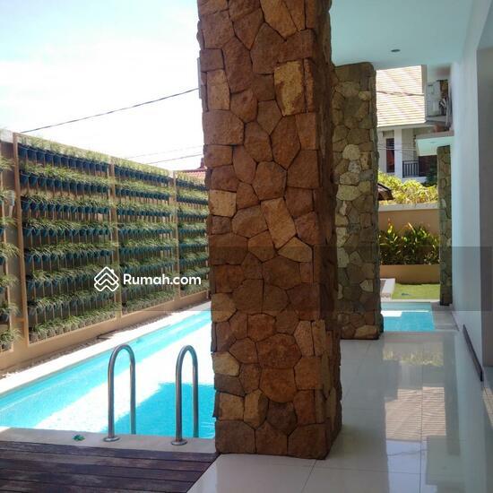 Rumah Mewah Semi Villa Di Renon  68750297