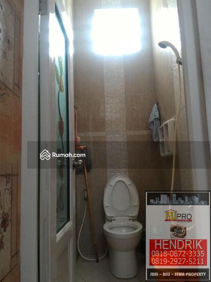dijual rumah villa  81394547