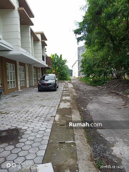 Kragilan, Sinduadi, Mlati, Kabupaten Sleman, Daerah Istimewa Yogyakarta, Indonesia  89334277