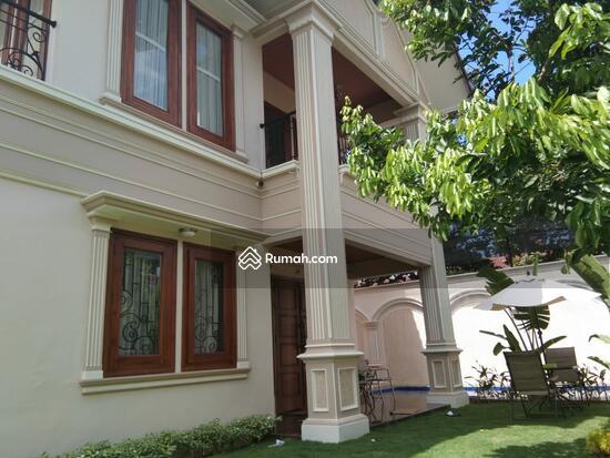 Rumah MEWAH ISTIMEWA Plus KOLAM RENANG Dekat MIROTA Godean  91277742