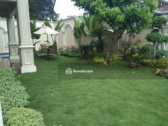 Rumah MEWAH ISTIMEWA Plus KOLAM RENANG Dekat MIROTA Godean  91277743