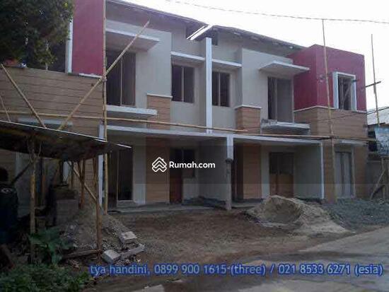 Rumah minimalis di Kemang Jatiwaringin  6136475