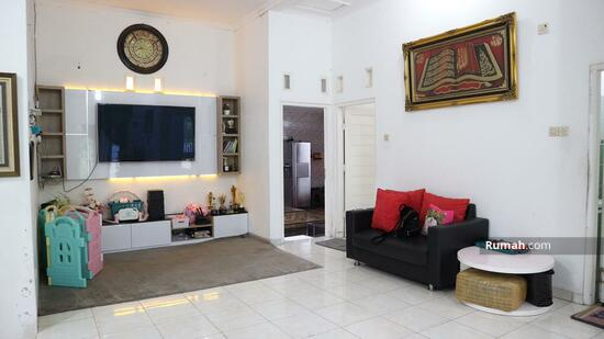 Rumah ISTIMEWA Tanah Luas HOOK Di Perumahan Amanusa Regency 2  93726295