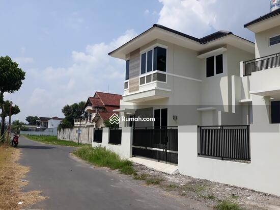 Rumah Megah Siap Huni dengan View Sawah dan Merapi  95617562