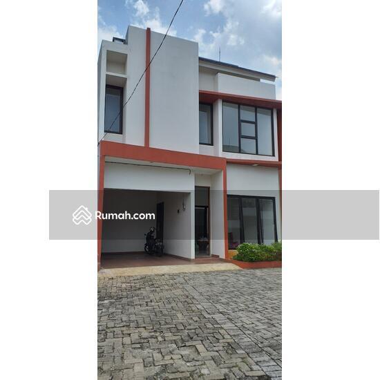 Podok Aren Tangerang Selatan  100202745