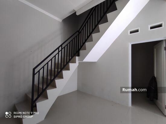 Di Jual Rumah 2 Lantai Manis Minimalis di Bambu Apus Pamulang  102716871