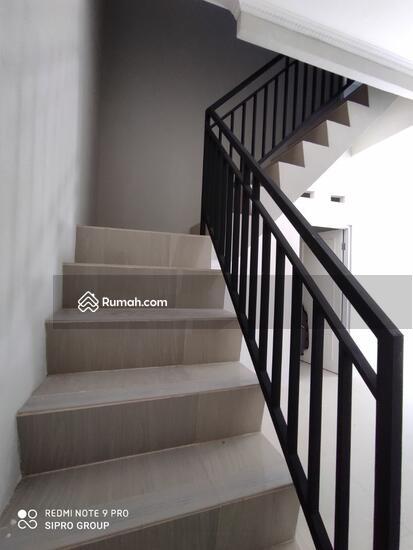 Di Jual Rumah 2 Lantai Manis Minimalis di Bambu Apus Pamulang  102716874