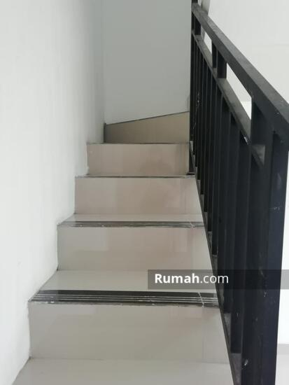Rumah 1 dan 2 Lantai Eksklusif dengan konsep Mewah dan Minimalis  103221663