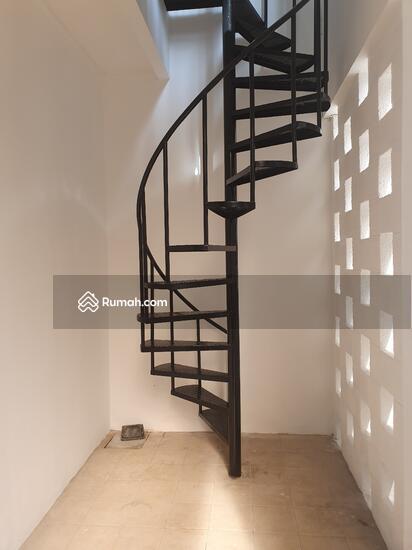 Dijual rumah Discovery terra bintaro sektor 9, baru renovasi rapih siap huni  104448002