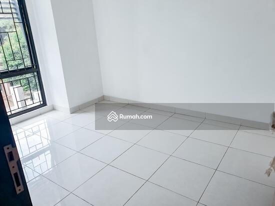 Dijual rumah Discovery terra bintaro sektor 9, baru renovasi rapih siap huni  104448044