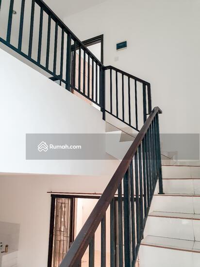 Dijual rumah Discovery terra bintaro sektor 9, baru renovasi rapih siap huni  104448049