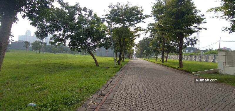 Jual Rumah Bagus Pakuwon Indah dekat Graha Family, Citraland Surabaya Barat #109504993