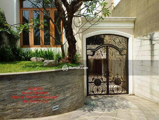 Rumah Mewah di Bukit Golf, Pondok Indah Pintu Masuk ke Basement 8395784