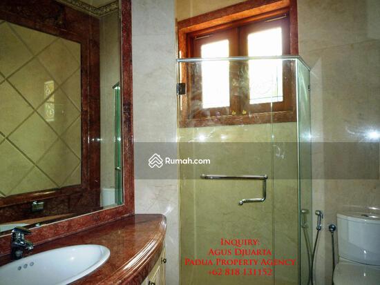 Rumah Mewah di Bukit Golf, Pondok Indah Kamar Mandi di Lantai Atas 8395874
