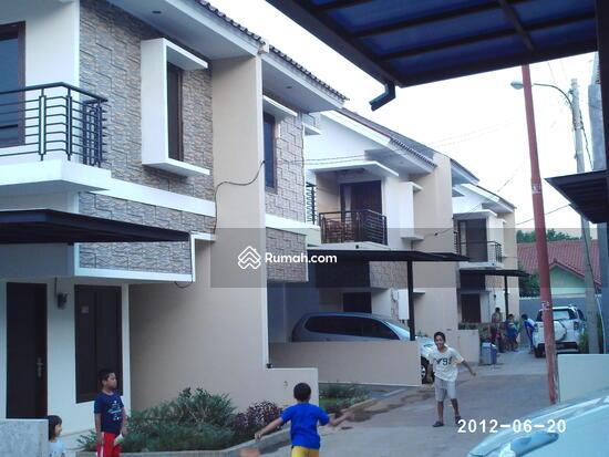 JAKARTA RESIDENT RUMAH TAMPAK SAMPING LUAS 8765711