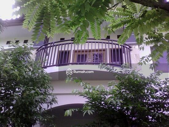 Rumah dijual di Pondok gede  10117646