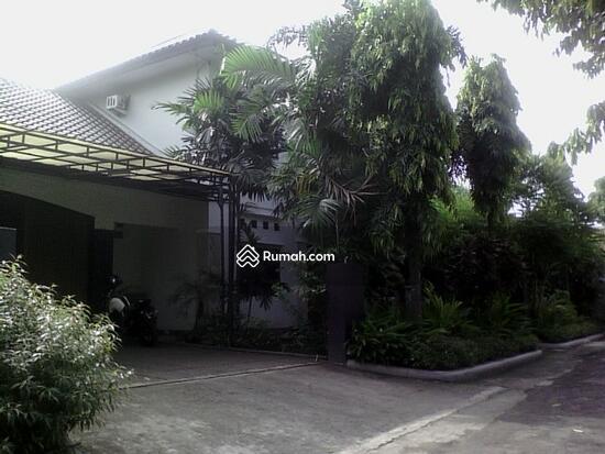 Rumah dijual di Pondok gede  10117649