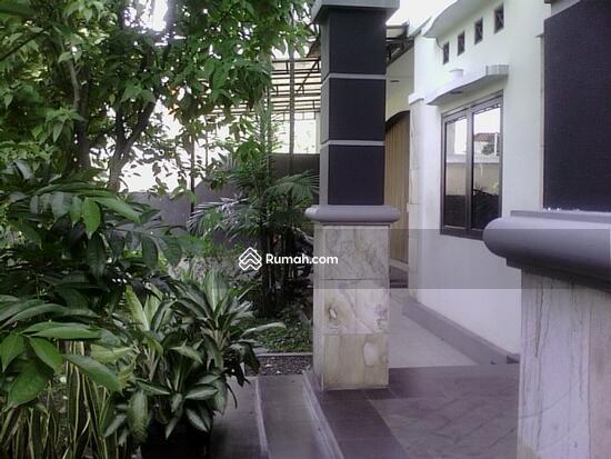 Rumah dijual di Pondok gede  10117670