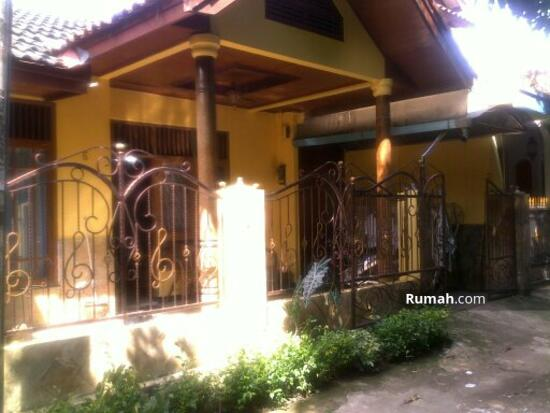 rumah tinggal  16237418