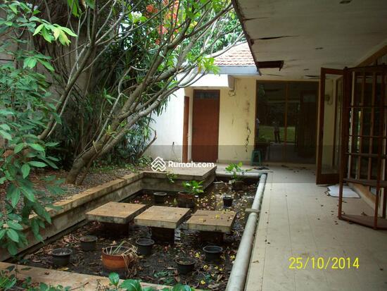 Cipete: Rumah dgn halaman luas & ada pool. DIJUAL-081288328234 21947795