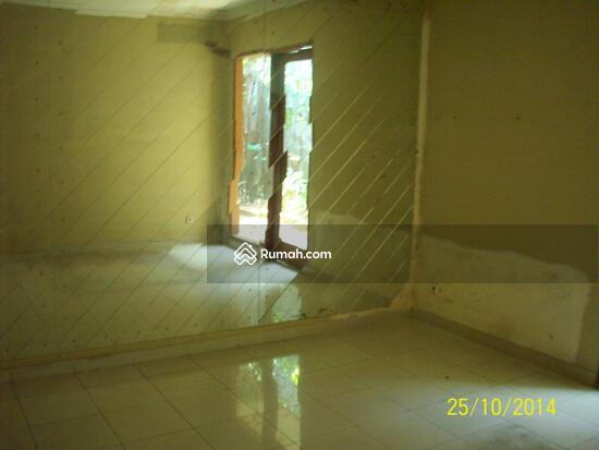 Cipete: Rumah dgn halaman luas & ada pool. DIJUAL-081288328234 21948089