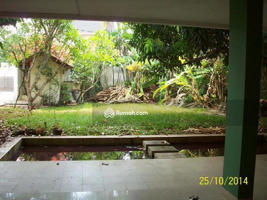 Cipete: Rumah dgn halaman luas & ada pool. DIJUAL-081288328234 21948179
