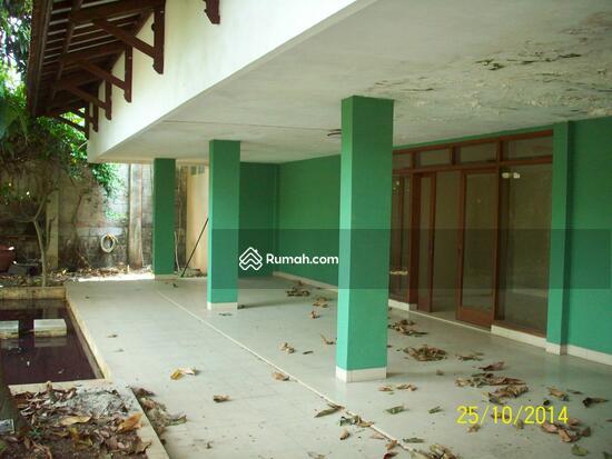 Cipete: Rumah dgn halaman luas & ada pool. DIJUAL-081288328234 21948287